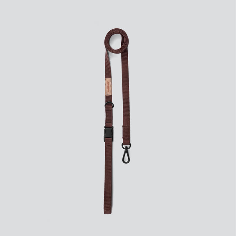 [andblank] leash : brown